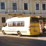 Biletul de hârtie va deveni istorie pe autobuzele din Caransebeș